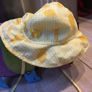 I Play Other - Infant yellow/white goldfish sun hat with UPF 50+