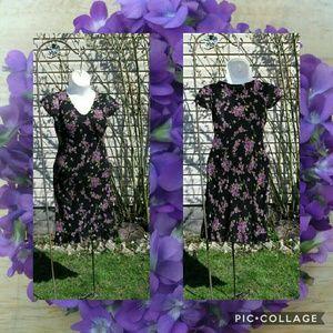 Donna Ricco Dresses & Skirts - Donna Ricco❣Violets Print  Midi