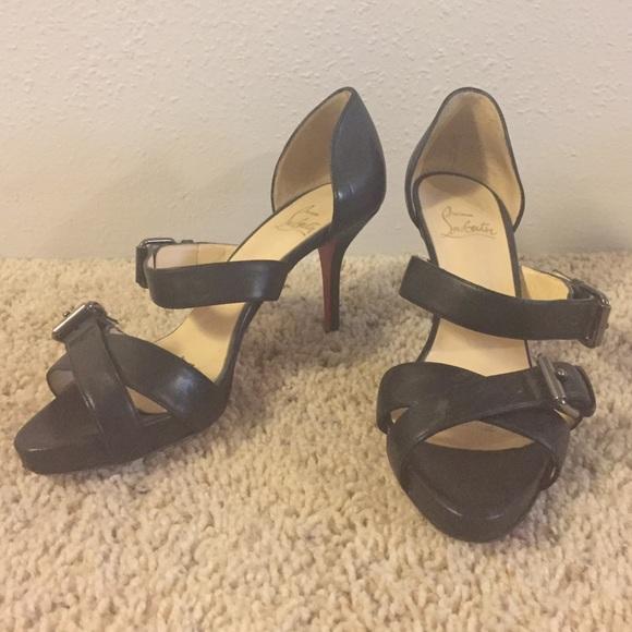 timeless design 18c36 8ecc4 Louboutins black strappy heels 😍😍😍