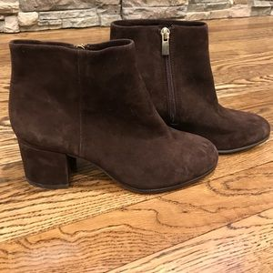 Brown suede boots NWT size 6