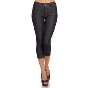 Pants - Navy Color Capri Jeggings
