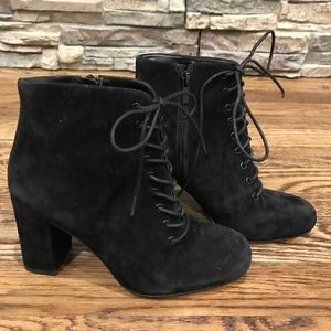 Lace up suede boots NWT size 6