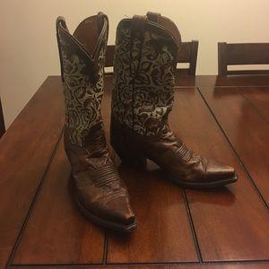 Dan Post Shoes - Dan Post Womens Cowboy boots. 9 1/2