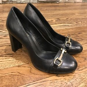 Black leather pumps NWT size 6