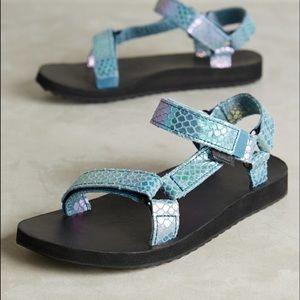 Teva Shoes - NWOB blue iridescent teva
