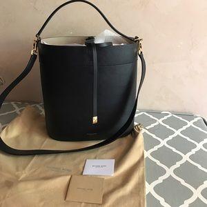 Michael Kors Handbags - Large Michael Kors black bucket handbag