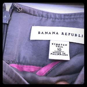 Banana Republic Dresses & Skirts - Banana Republic Gray Khaki Skirt w/ Chiffon Trim