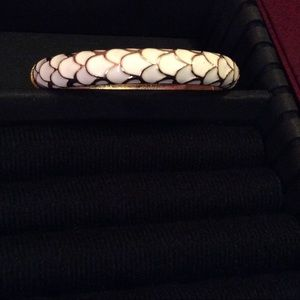 Lilly Pulitzer Jewelry - Lilly Pulitzer white and gold tone hinged bangle