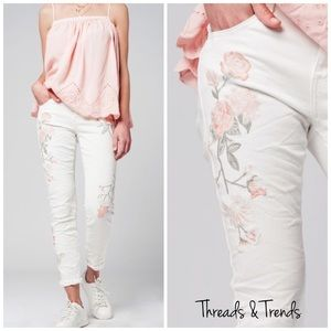 Threads & Trends Denim - 🌸Sofia Embroidered Distressed Jeans