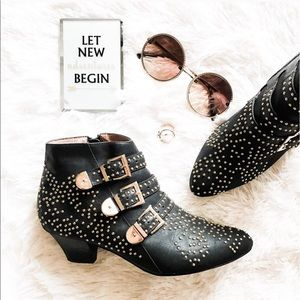 Jeffrey Campbell Shoes - Jeffrey Campbell studded buckle Starburst boot 8.5