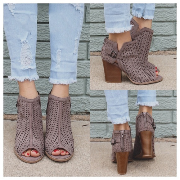Shoes - 🆕CAITLIN cut out booties - TAUPE