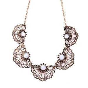 Jewelry - Just In🍃 Antique Gold Fan Necklace 🍃