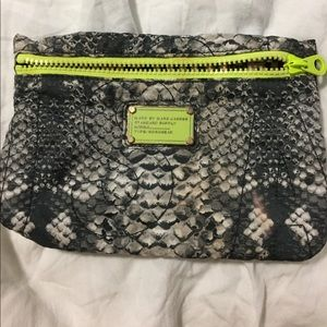 Marc Jacobs Accessories - FREEE Marc jacobs Make up bag