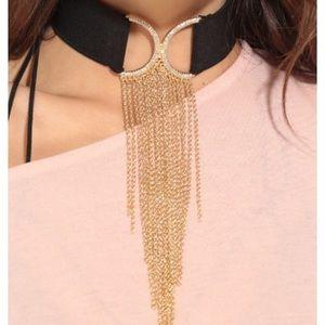 Jewelry - Stylish choker