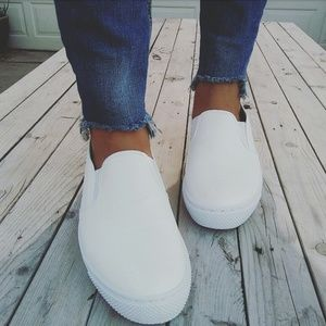 Shoes - //The Summer// White slip on Sneaker