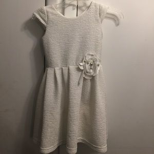 Zoe Ltd Other - Beautiful white with gold accent drees siza8-10