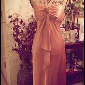 Jump Dresses & Skirts - 🎈Reduced🎈 Beautiful gold long evening dress