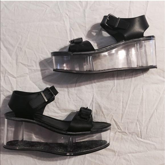 cf36e45a789 Y.R.U. Qloud clear platform sandal. M 5907b8154225bee08e019f97