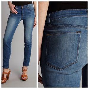 J Brand Denim - SALE* J Brand 811 Skinny Leg Jeans in Venice Wash
