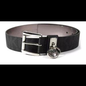Michael Kors black leather belt! Size Small