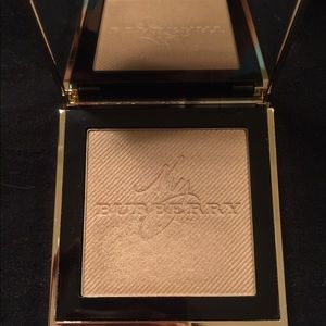 Burberry No. 01 Gold glow