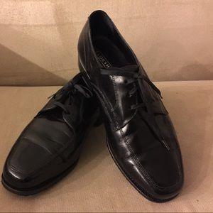 Florsheim Other - Florsheim man's dress shoes, size 9