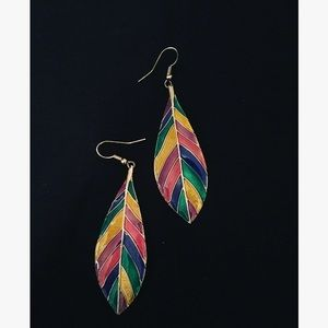 Jewelry - Vintage Feather Colored Earrings