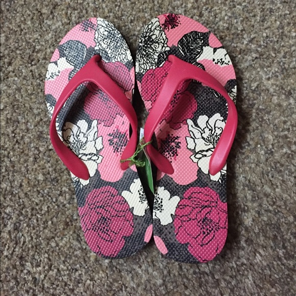 2aaca07b6218ad Sale 🛍BNWT Vera Bradley Flip Flops