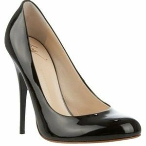 Giuseppe Zanotti Shoes - Black Patent Leather Round-Toed Pumps