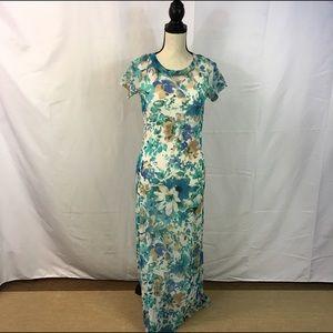 Newport News Dresses & Skirts - Newport News Maxi Dress With Full Slip S
