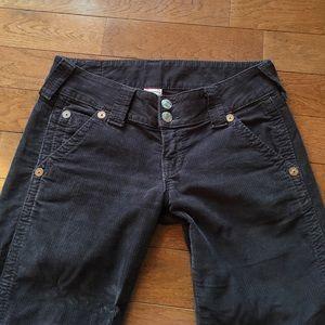 True Religion Pants - ❤️ True Religion Sammy Big T Capris❤️