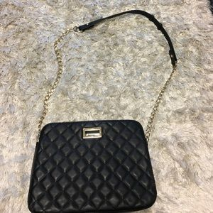 Black quilted crossbody!
