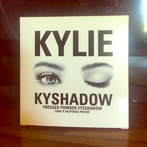 Kylie Cosmetics Burgundy Pallete