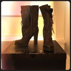 Luxury rebol boots