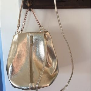 Gold cross body bag with chainNWOT