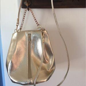 Handbags - Gold cross body bag with chainNWOT