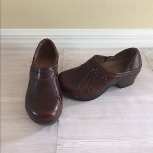 Dansko Shoes - Dansko Clogs Brown Size 36