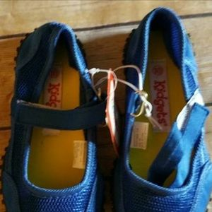 Kidgets Other - NWT KIDGETS WATER SHOES Boy