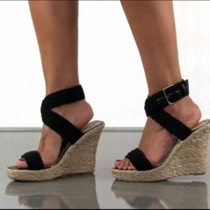 N.Y.L.A. Shoes - Black Espadrille wedges ✨