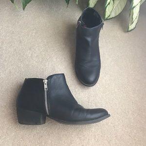 UNIONBAY Shoes - Black booties