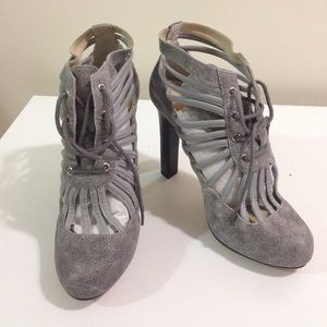 Be & D Shoes - Be & D caged booties!