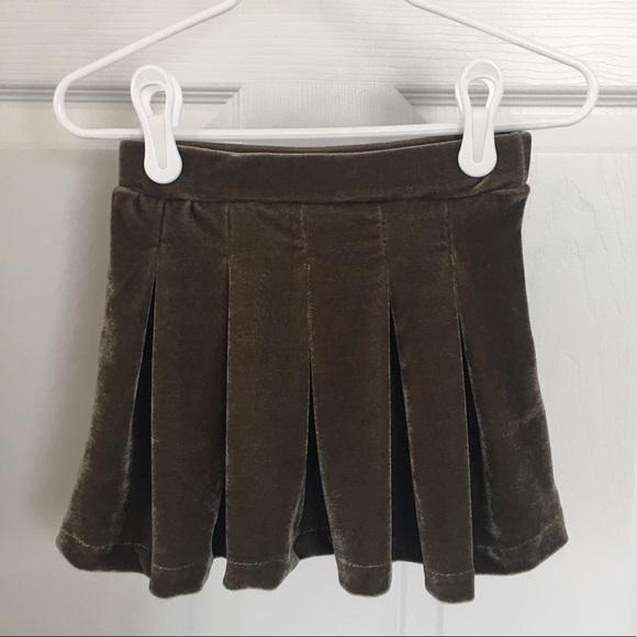abe9025580 Zara Bottoms   Girls Box Pleat Velvet Skirt   Poshmark