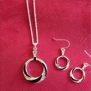 Jewelry - Necklace & earrings