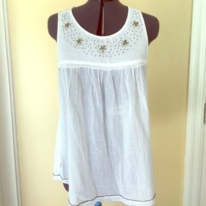 United Colors Of Benetton Tops - United colors of Benetton white tank embellished