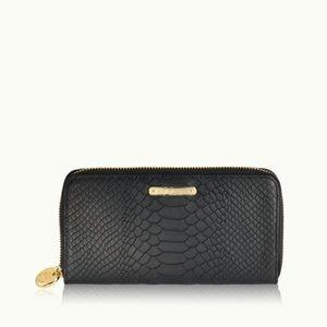 GiGi New York Handbags - Brand new Gigi wallet!!