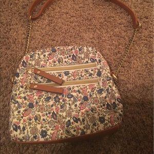 Handbags - Nwot boho chic Floral crossbody Handbag