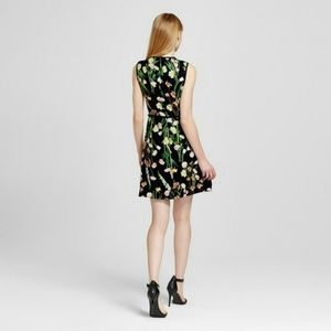 Victoria Beckham Dresses - VBxT Breezy English Floral Dress- Sold out online!