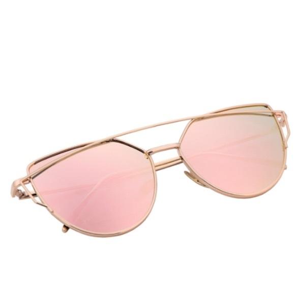 097f0a2bb75 Chanel Sunglasses Gold Mirrored Cat Eye