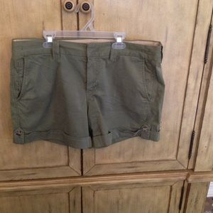 Banana Republic Pants - Banana republic olive shorts