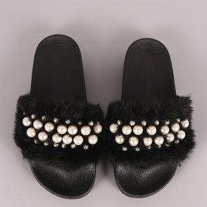Wild Diva Faux Fur Pearl Sandals (& FREE keychain)